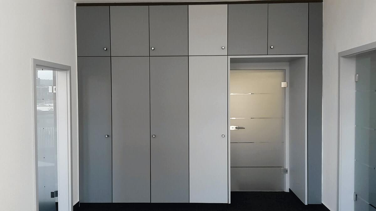 Biesdorf, Kram & Partner - Folierung von Büroschränken